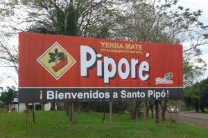 """Cartel Santo Pipó - Piporé """"Bienvenidos"""" (Ruta Nacional Nº12 - Provincia de Misiones, Argentina)"""