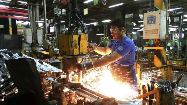 Desequilibrios sectoriales en la generación de empleo