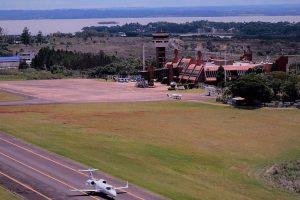 """Pese al récord turístico y al auge """"low cost"""", se achicó la cantidad de pasajeros que volaron dentro del país"""