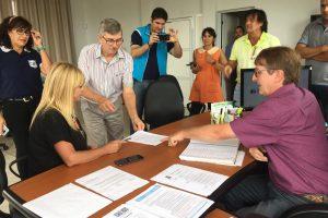 UDPM firmó convenio para construir un Ecolodge en Capioví