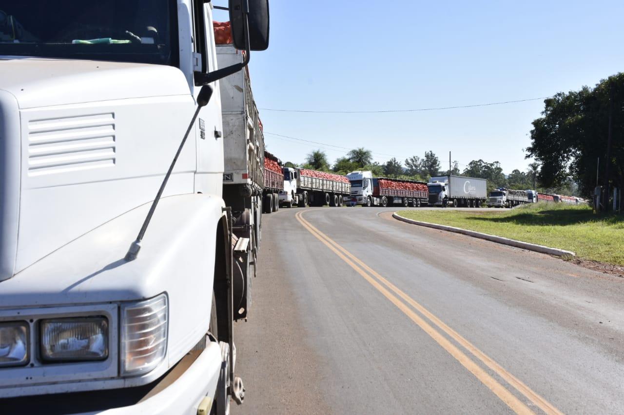 Ante el colapso de camiones de carga en la frontera, Lemes reclamó agilizar la concreción del puente en San Javier