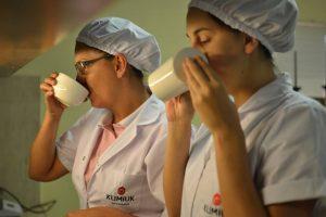 La tealera Klimiuk logró vender a Rusia y ahora va junto a otras firmas por Pakistán, los dos importadores más grandes