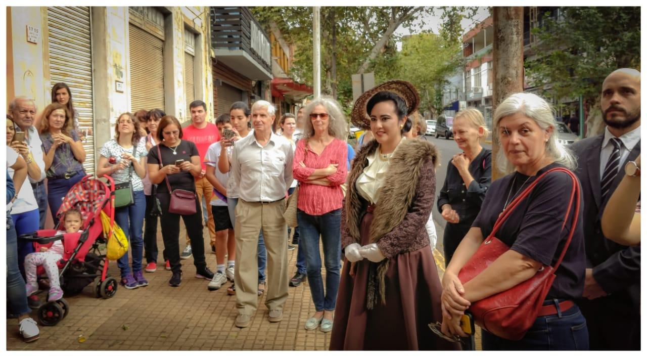 Más de 100 personas participaron del paseo peatonal guiado por el Día Nacional de los Monumentos