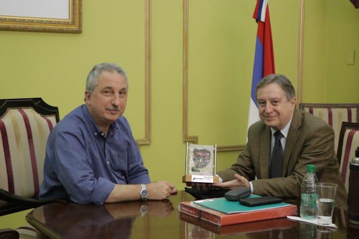Passalacqua recibió al cónsul general de Uruguay, Darío Raúl Estades Rodao