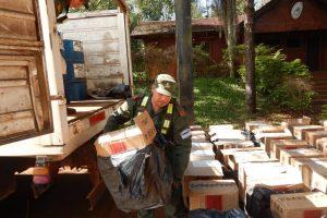 Secuestran más de 12 toneladas de tabaco procesado que llevaban de contrabando desde Andresito