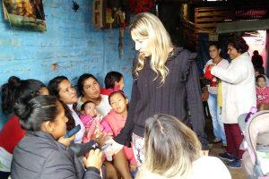 Benilda Dammer finalizó la campaña con una recorrida por distintos barrios de Posadas