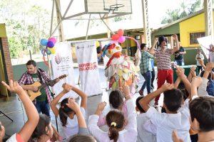 """Niños sampedrinos se deleitaron con el show de """"Gurises"""""""