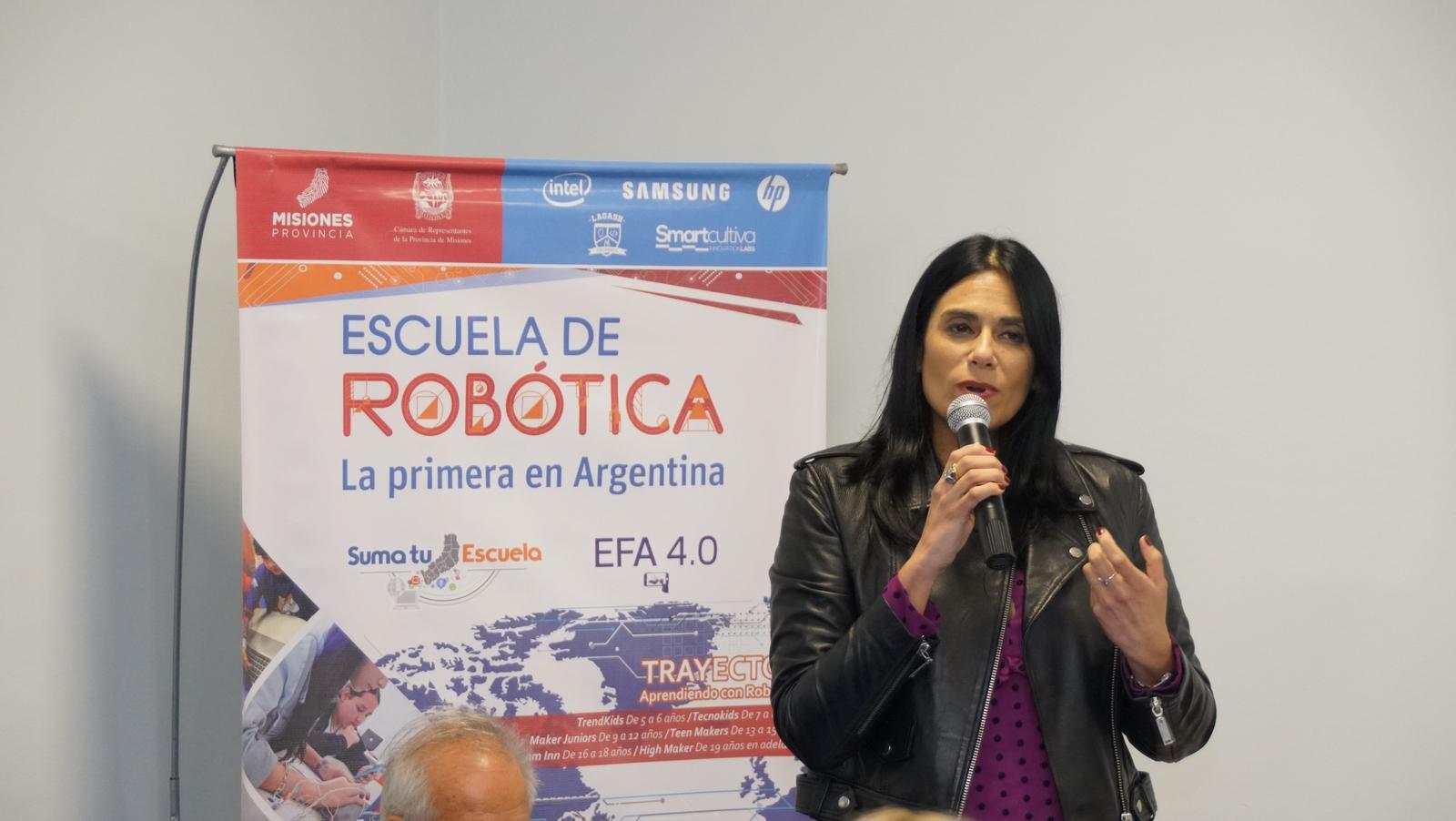 Educación disruptiva: La Escuela de Robótica de Misiones presentó su libro