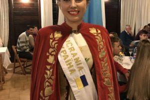Inmigrantes: Ucrania presentó su nueva reina