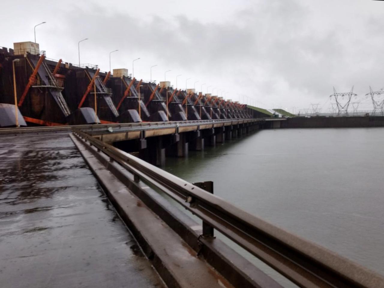 Alerta Paraná: el flujo que recibe Yacyretá es el más bajo desde 1978