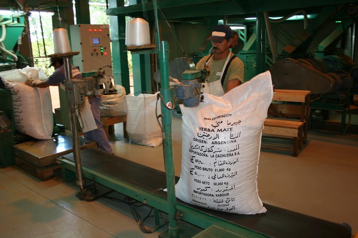 Asociaciones de productores pidieron a Basterra rebaja o eliminación de retenciones para las economías regionales