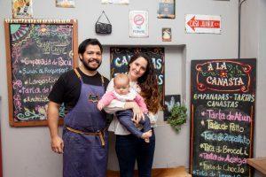 """Gonzalo y Yohana, la pareja que creó """"A la Canasta"""", emprendió con éxito y formó familia al mismo tiempo"""