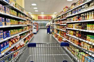 La eliminación de IVA en alimentos solo servirá para neutralizar el traspaso a góndola de la devaluación