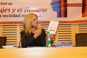 Alejandra Stamateas disertó en la Legislatura