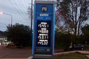 Pese a una nueva caída en las ventas, YPF volvió a aumentar los precios y la nafta Infinia ya cuesta 54,51 pesos en Misiones