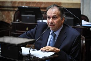 El Senado aprobó un proyecto de Schiavoni para fortalecer la agricultura familiar