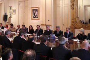 Mesa Forestal: Macri quiere atraer inversiones en grandes proyectos de celulosa y papel