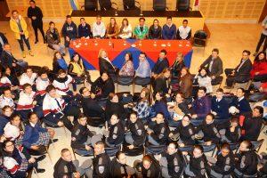 Jóvenes misioneros aseguran que viven la igualdad de manera más natural que los adultos
