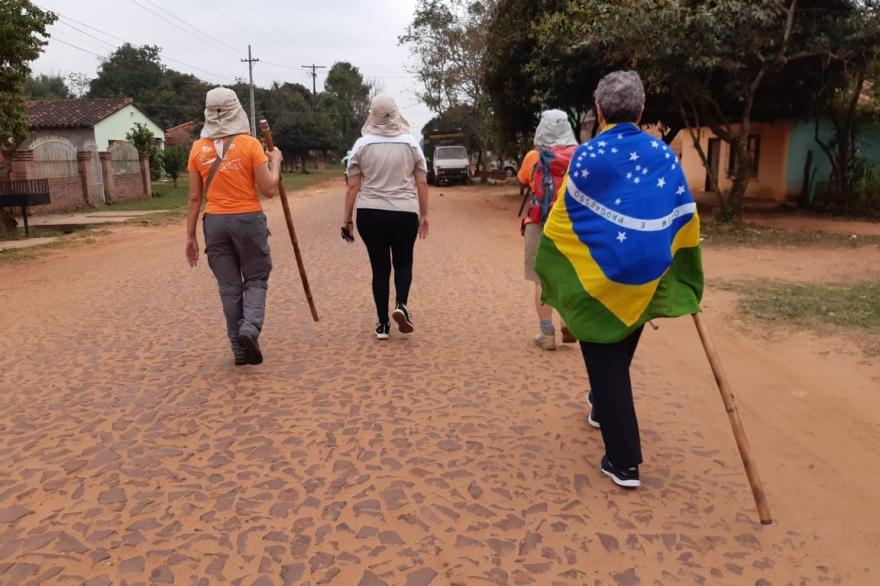 Los paraguayos lanzaron el Camino de los Jesuitas, una peregrinación de 30 días y 748 kms que pasará por Misiones y Brasil
