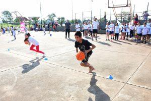 La EBY lleva adelante actividades deportivas por el día del niño en Posadas