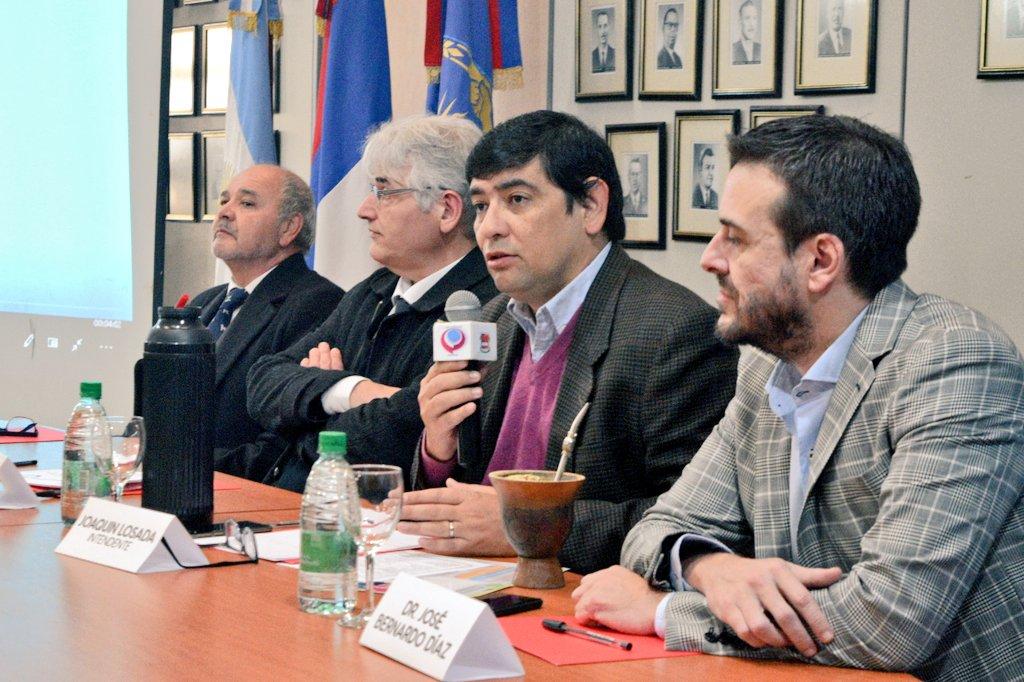 """Losada presidió la jornada """"Tendencias y Paradigmas del Derecho Administrativo""""."""