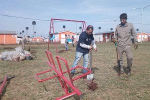Posadas: instalan juegos infantiles en una plaza de Itaembé Guazú