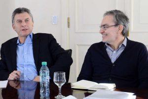 Macri oficializó congelamiento de combustibles y 0% IVA a alimentos