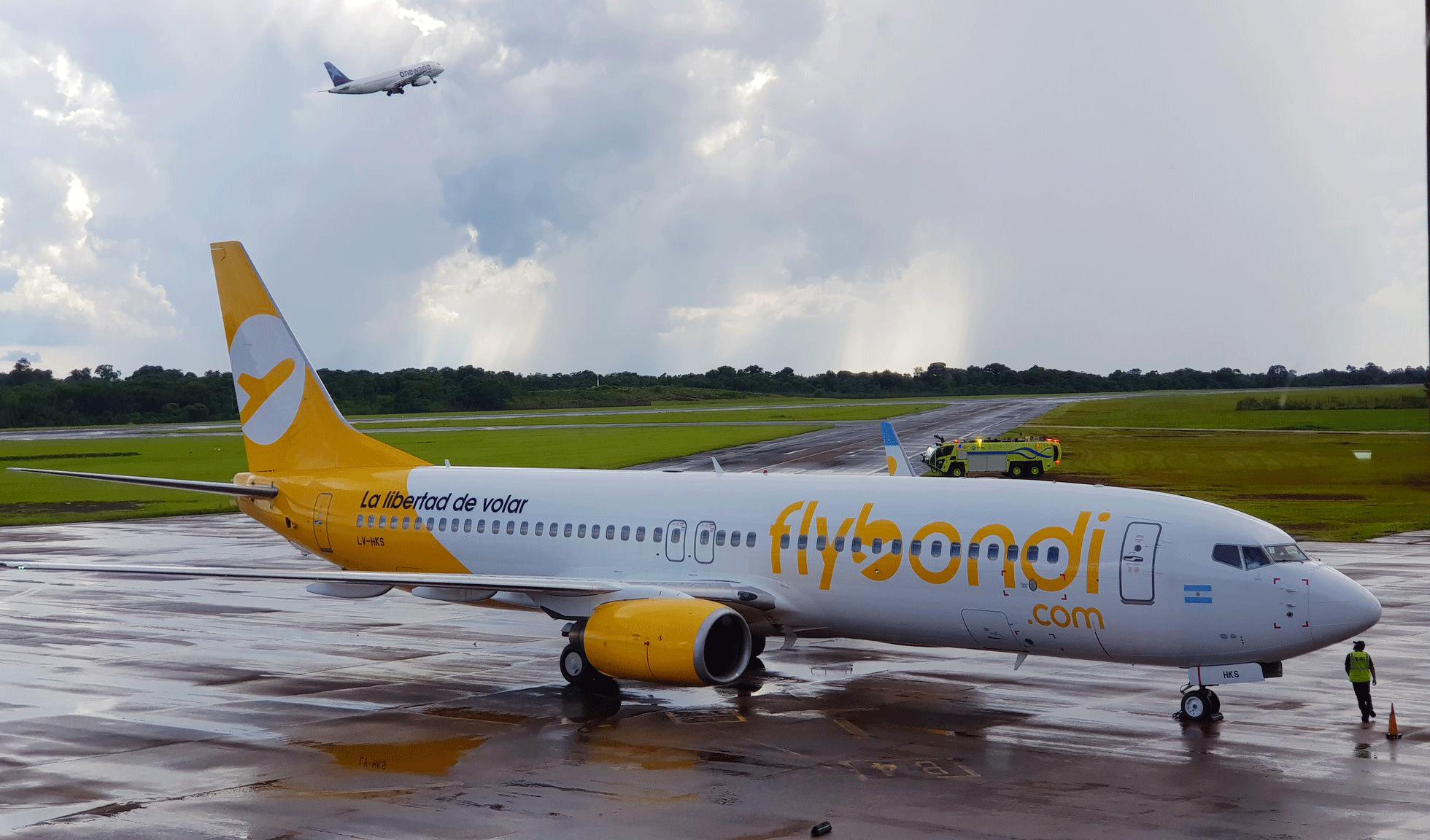 Preocupación empresaria en Iguazú por los vuelos cancelados de Fly Bondi