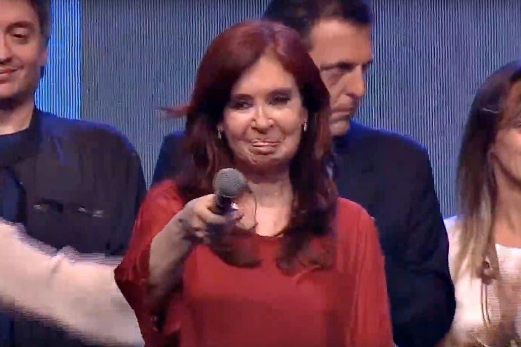 """¿Más cepo o default? CFK le pidió medidas a Macri para """"aligerar la situación dramática en las finanzas del país"""""""