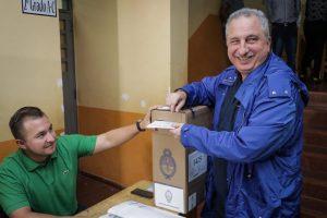 """""""Hoy es el día del poder popular"""", manifestó Passalacqua al votar en Oberá"""