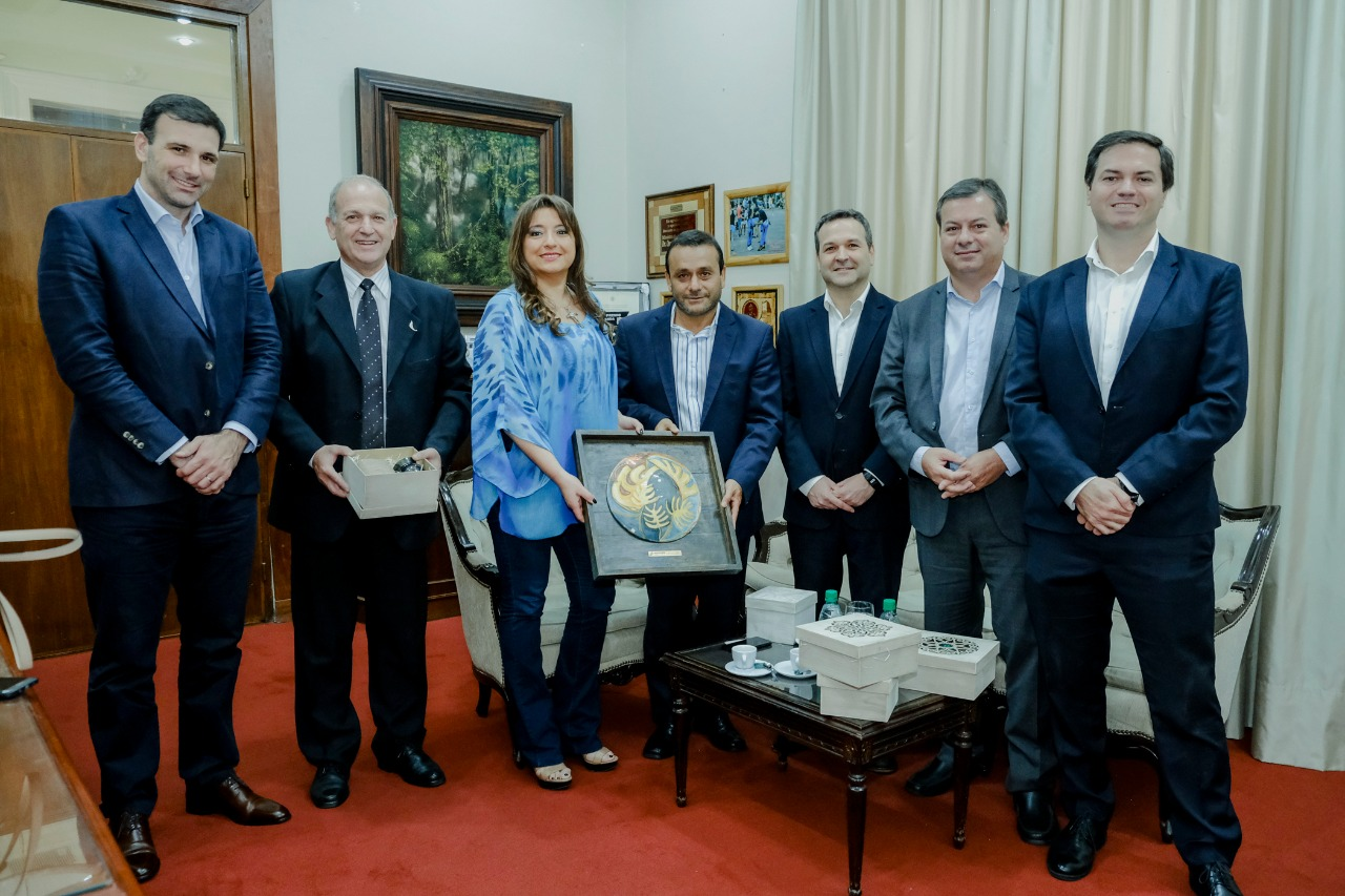 Herrera Ahuad compartió charla y almuerzo con economistas y empresarios de la Mediterránea