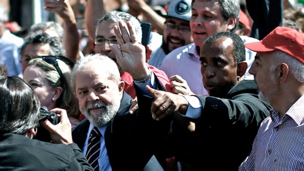 Lula pretende recorrer el país y luchar por anular su sentencia