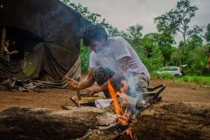 Experiencia novedosa hoy: Como en un restó de lujo, menú de 7 pasos, pero en plena aldea mbyá de Aristóbulo