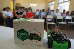 La Escuela de Robótica entregó más de 100 kits educativos en la zona centro de la provincia