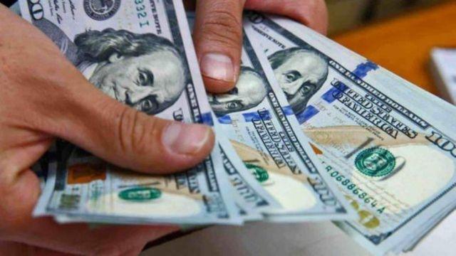 """Dólar: las medidas no surtieron efecto, el """"contado con liqui"""" subió 7 pesos y en Posadas se consigue a $180"""