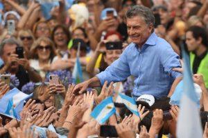 """Macri: """"Cuidemos a nuestra Argentina para que no la roben, no la maltraten, no la estafen"""""""