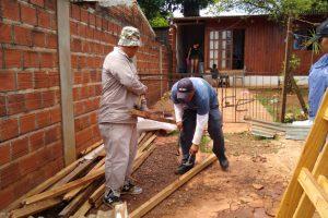 Asisten a familias afectadas por el temporal en Posadas