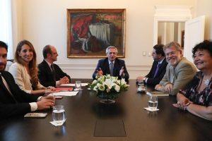 El Presidente se reunió con su consejo de asesores