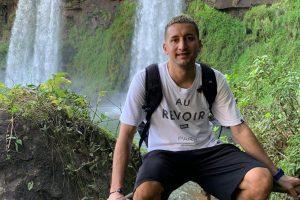 El turista agredido en Iguazú volvió a Cataratas invitado por la provincia