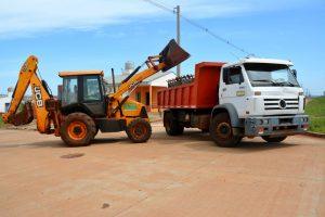Continúan los trabajos de limpieza y recolección de residuos voluminosos en los barrios