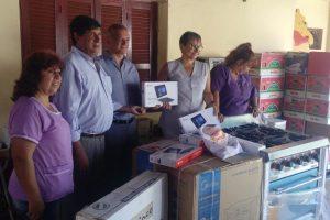 Arce entregó equipamientos en Fundación Tupa Renda