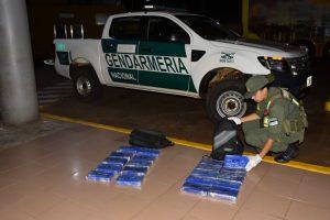 Evitan el traslado de 21 kilos de cocaína en un ómnibus en Garupá