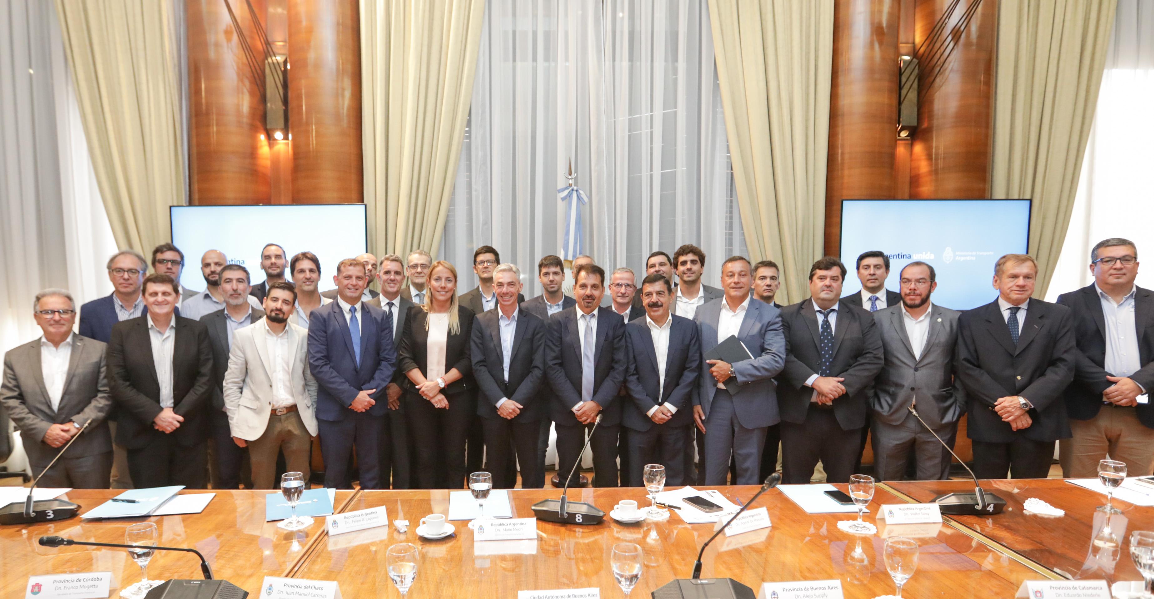 """Meoni lanzó el encuentro nacional de transporte: """"Tenemos una mirada federal y equitativa"""""""