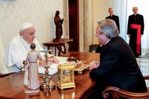 ¿Qué le pidió el Papa al presidente argentino Alberto Fernández?