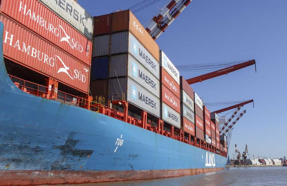 Las importaciones de bienes intermedios y de consumo se despegan del resto de los rubros, reflejando expectativa de devaluación