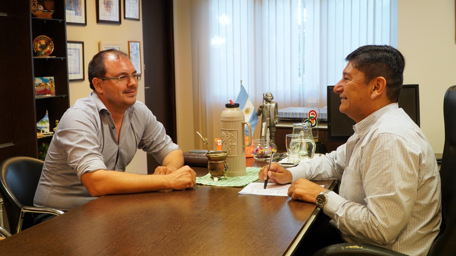 El IFAI elabora con Santiago de Liners estrategias para fomentar el desarrollo productivo