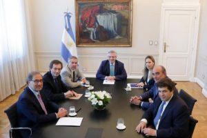 Alberto Fernández presentó el equipo que dialogará con los EEUU y los  los organismos multilaterales de crédito