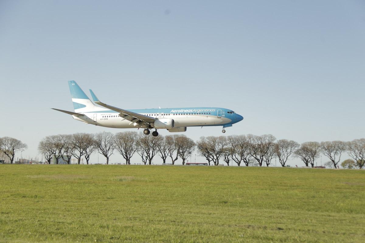 Aerolíneas Argentinas llegó a un acuerdo con los pilotos para la fusión con Austral