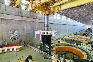 Yacyretá: tras 25 años de funcionamiento se reemplaza la turbina de la Unidad Generadora N°3