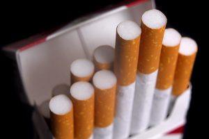 """Basterra dijo que la actividad de las fábricas de cigarrillos """"se habilitará en muy corto plazo"""""""